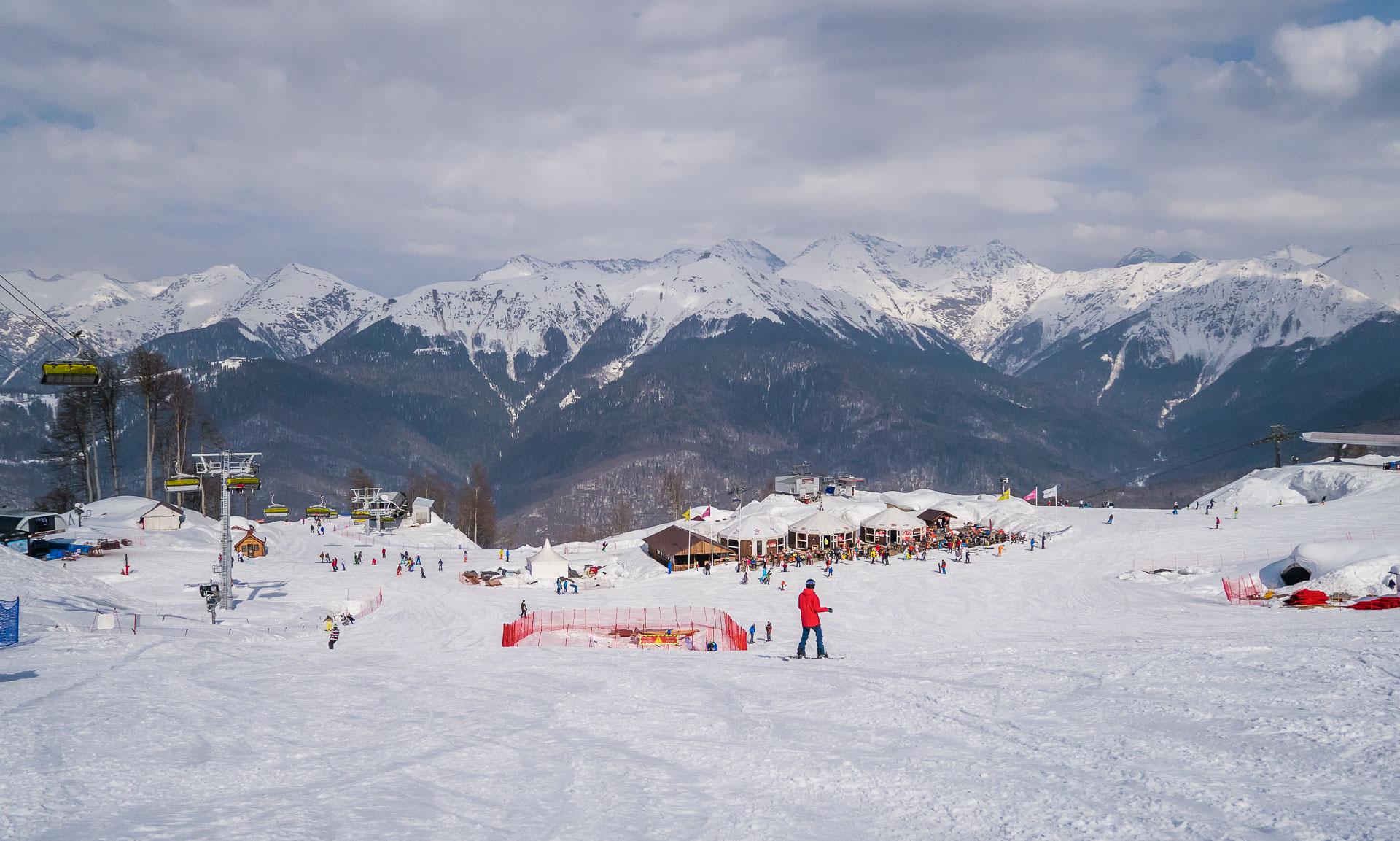 Горный курорт Роза-Хутор. Вид на 1600 м