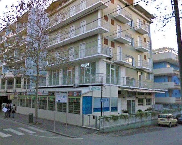 Отель Саньтьяго 3*. Вид с улицы