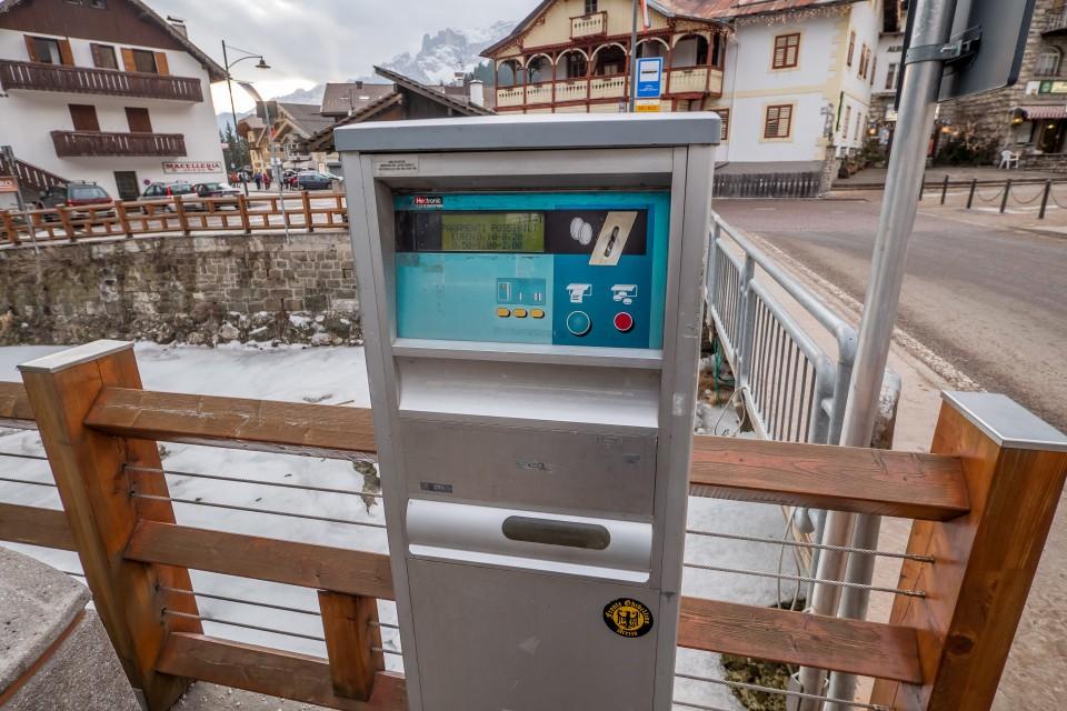 Парковочный автомат в доломитовых альпах