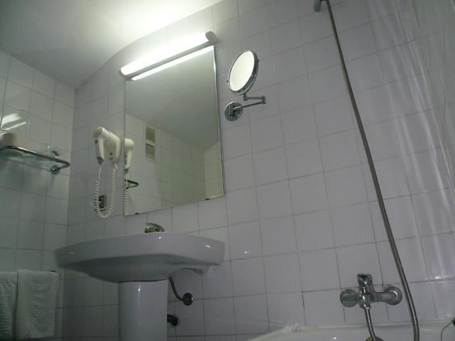 Отель Savoy. Ванна