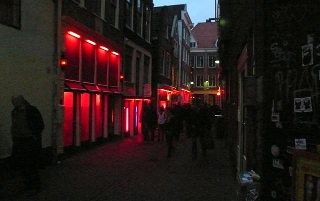 Амстердам. Улица крассных фонарей