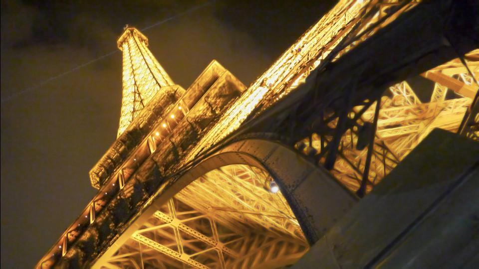 Эйфелева башня. Ночное фото