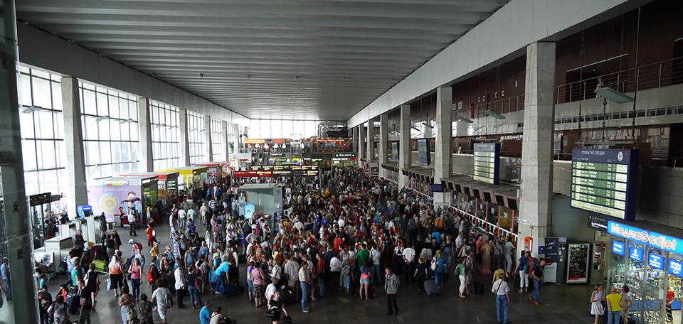 Курский вокзал летом. Фото