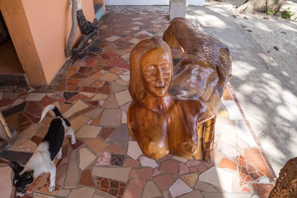 Лавочка на острове Палаван