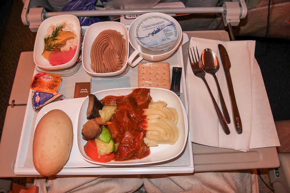 Еда в самолетах Эмирэйтс