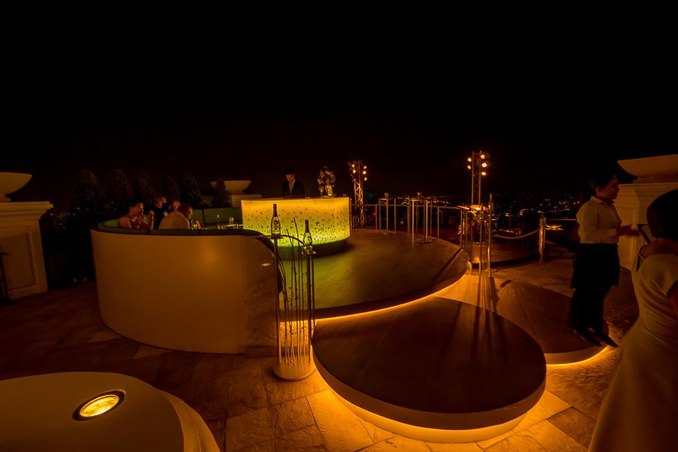 Скай бар в отеле Лебуа