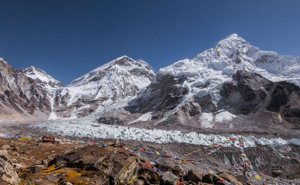 Вид со смотровой площадки на Эверест
