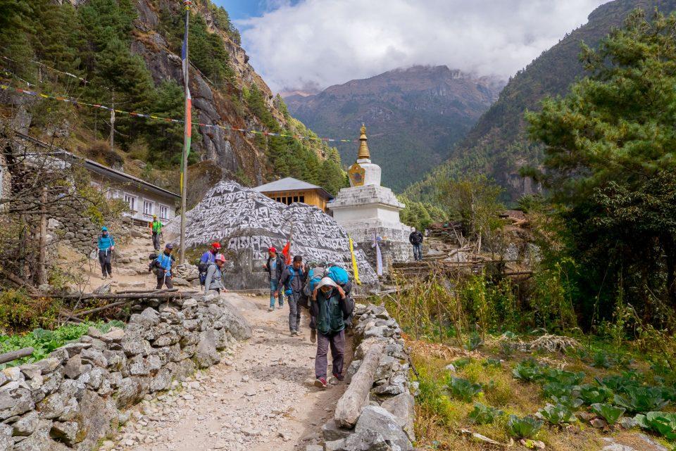 Ступа в поселке Benkar
