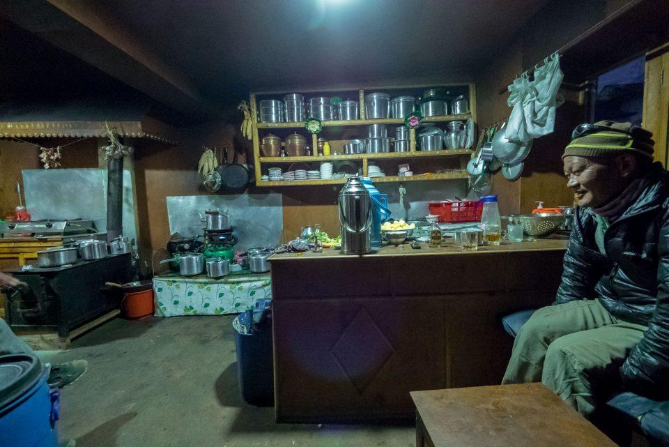 На кухне в лодже Санрайз