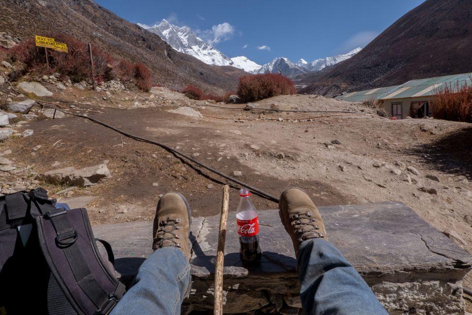 Кока кола с видом на горы